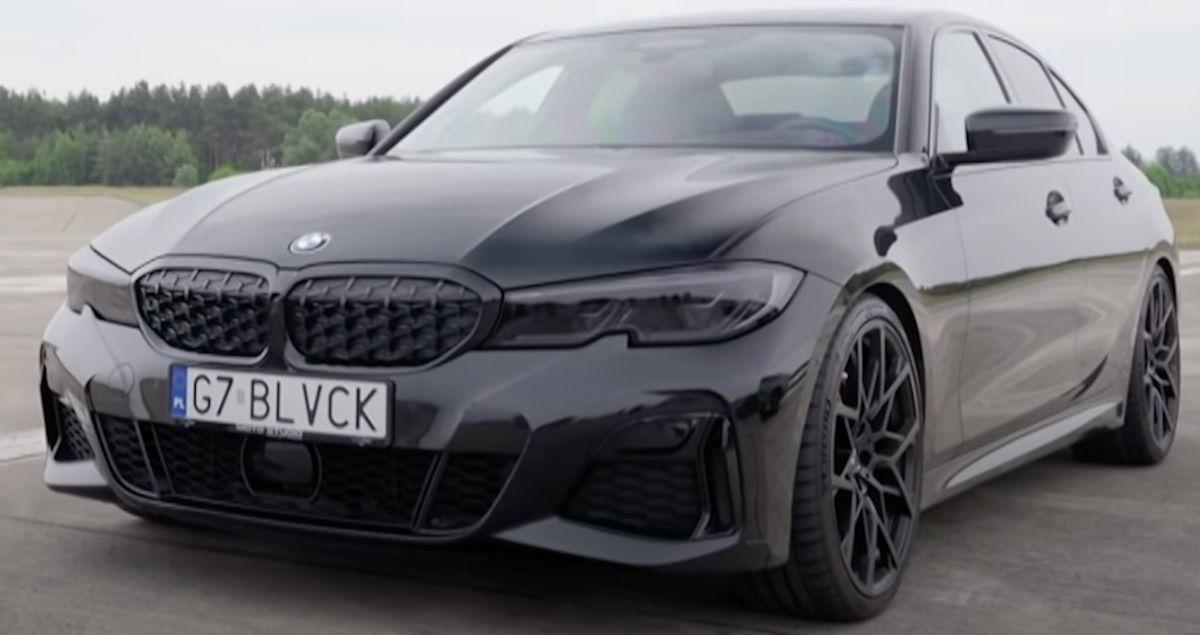 Czarne BMW M340i (G7 BLVCK)