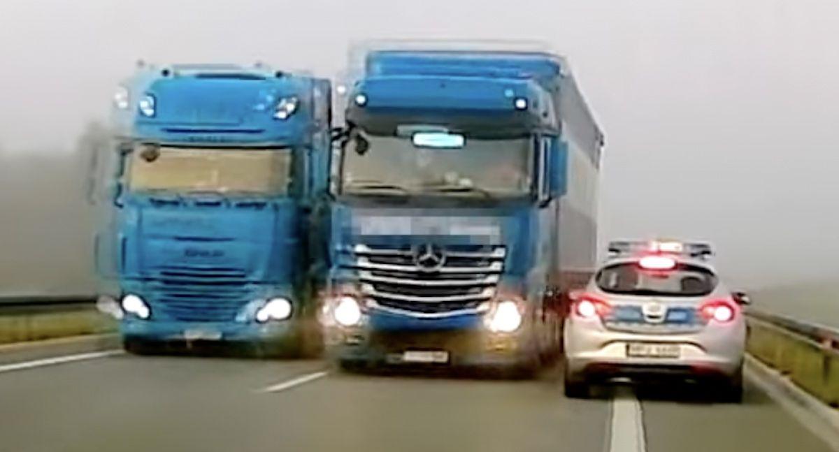 ciężarówka radiowóz